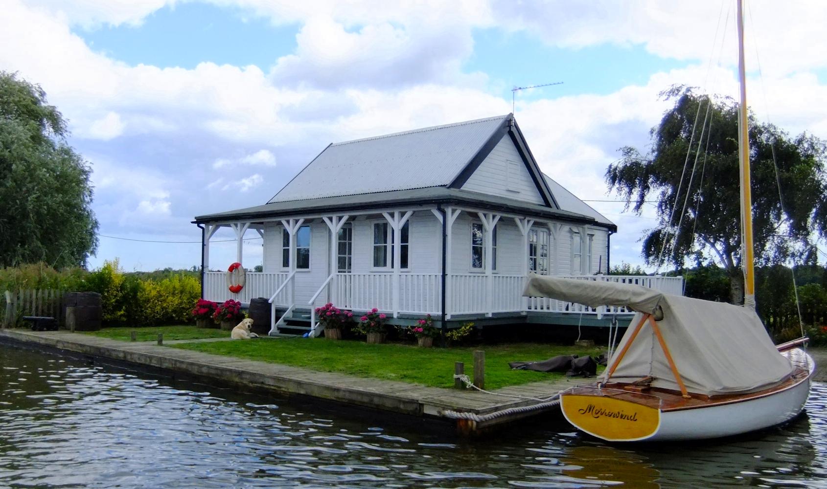 sukie norfolk broads holiday cottage