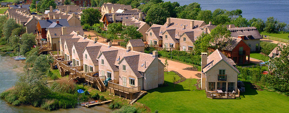 Lakeside holiday cottages at Mill Village