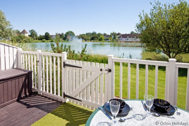 Isis Holiday Cottages, Cotswold Water Park
