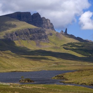 WY3Q8416 towards the Storr rock loch Fada trotternish skye-1000
