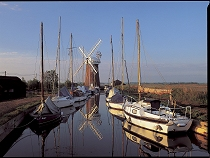 Norfolk Broads holidays - Lovely windmills and miles of navigable waterways