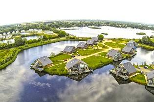 Cotswold Water Park - Waters Edge Holiday Cottages