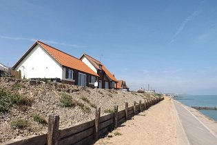 Beach View Waterside Holiday Cottage in Walcott North Norfolk Coast
