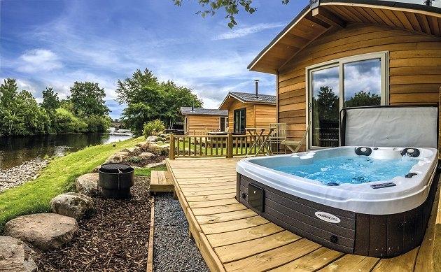 Braidhaugh Hot Tub Lodges Crieff Perthshire Scottish Highlands