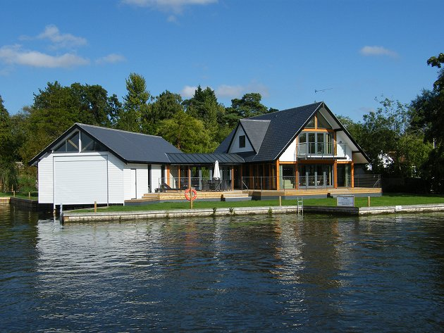 Tealby Riverside Holiday Cottage Horning Norfolk Broads