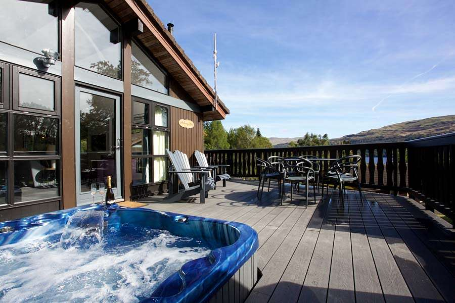 Lodges With Hot Tubs Hot Tub Log Cabins Waterside Breaks