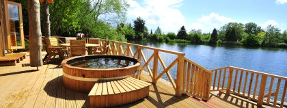 Cotswold Water Park - Kaisers Kabin, Poole Keynes Holiday ...