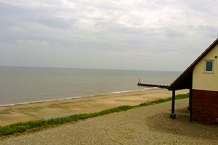 Tide View Beachside Holiday Cottage in Walcott North Norfolk Coast