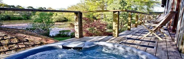 Indio Lakes Hot Tub Lodges, South Devon
