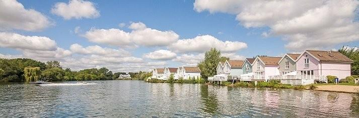 Lakeside Cotswold Water Park Cottages & Lodges