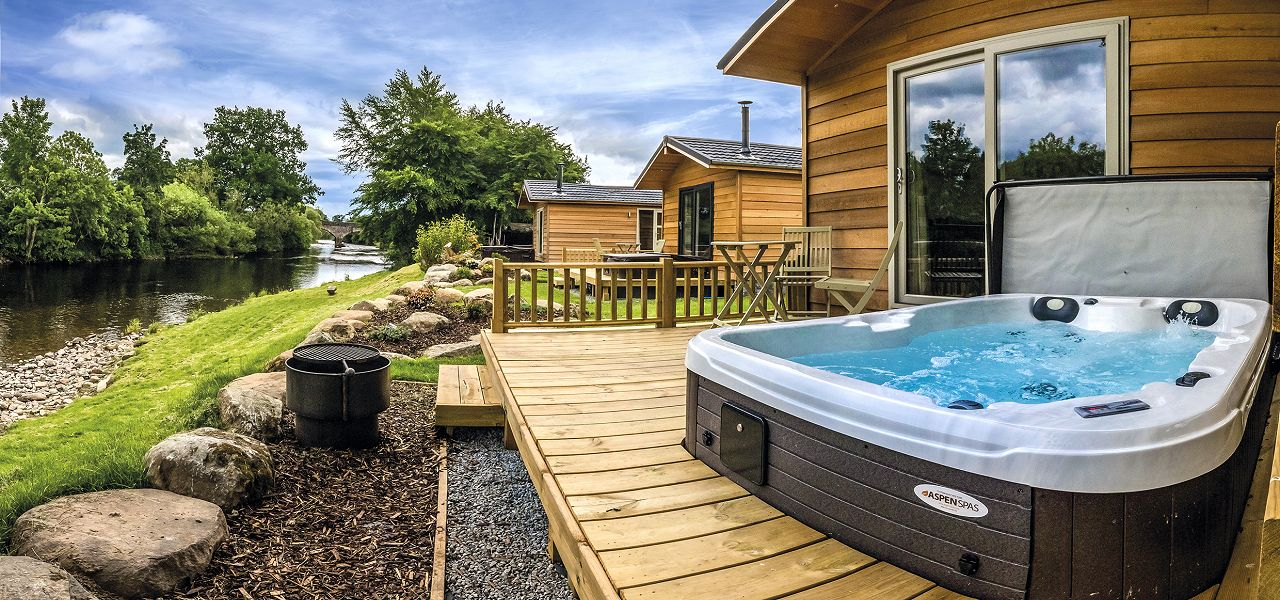 Prime Lodges With Hot Tubs Hot Tub Lodges Log Cabins With Hot Tubs Download Free Architecture Designs Scobabritishbridgeorg