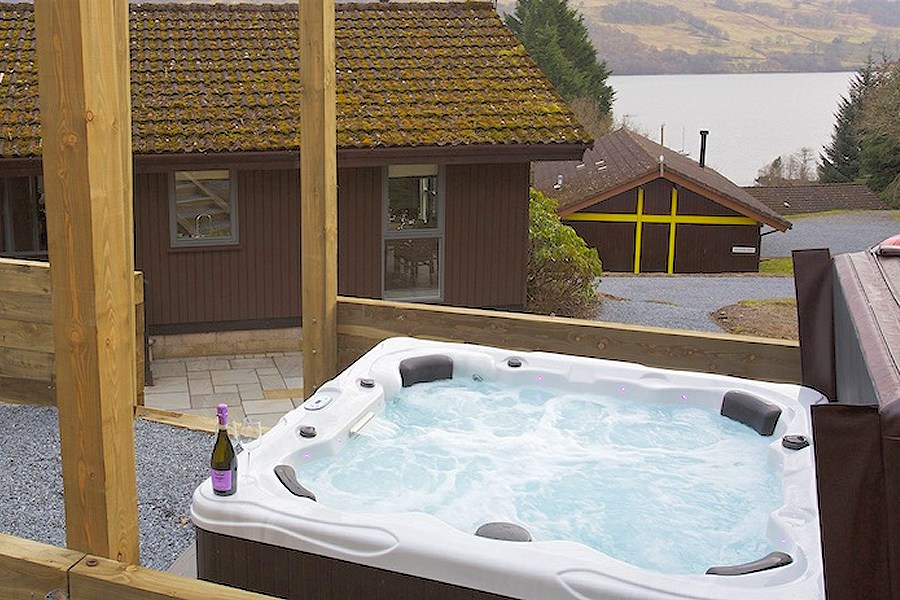 Eldersburn Lodge Hot Tub