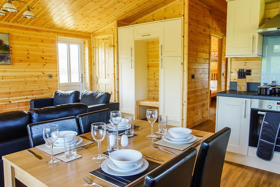 Woodlakes Larch Lodge Plus Dining