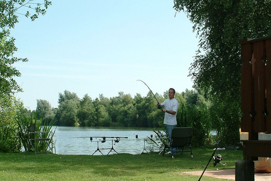 Fishing at Woodlakes