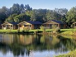 Lake Pochard Lodges - Cotswold Water Park, Cirencester, Gloucs