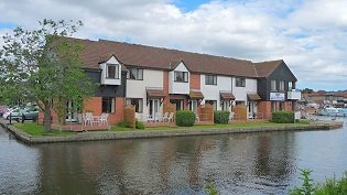 Norfolk Broads Holidays with good fishing - Cordon Rouge Cottages in Wroxham