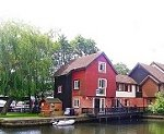 Peninsula Holiday Cottage, Wroxham