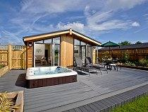 Holly Hot Tub Lodge, Hassocks, Sussex