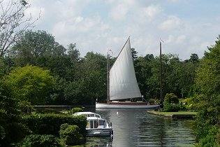 Norfolk Broads holidays, cottages by water